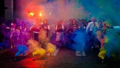 Χρωματιστή Πούδρα σε Εκδηλώσεις